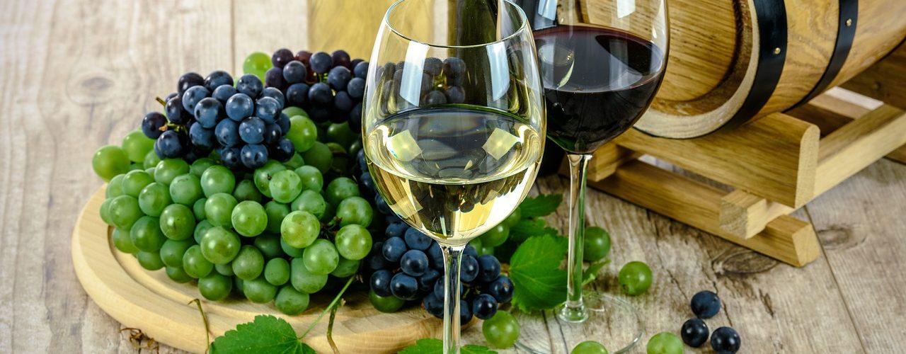 vin blanc et vin rouge naturels